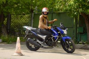 Фото Девушка на мотоцикле